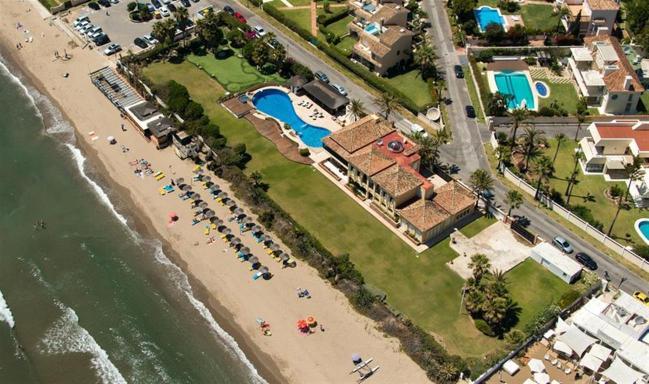 Beachfront villa Los Monteros Marbella