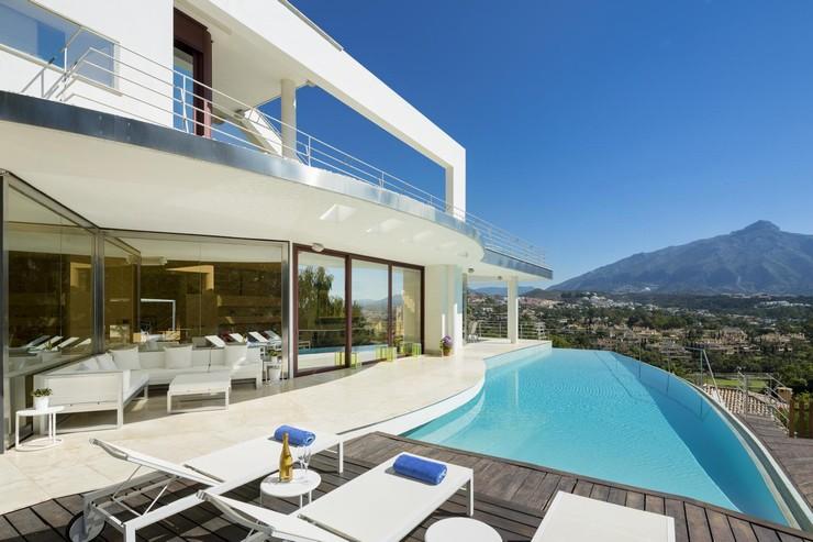 Las Brisas Golf Designer Villa, Nueva Andalucia Marbella Direct